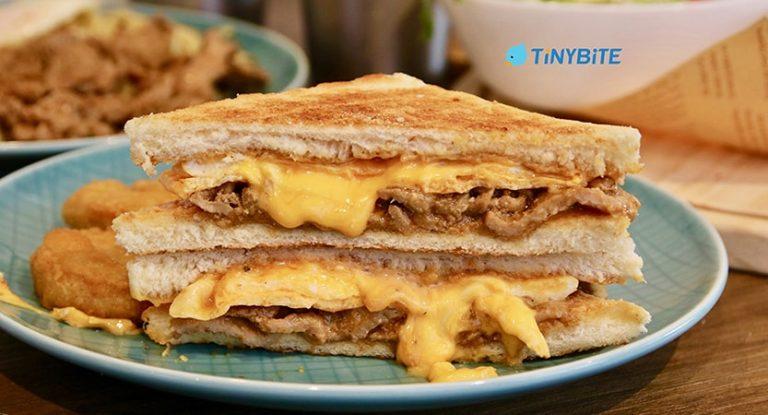 [台中早午餐] 土木公社炭烤土司昌平店 | 烤肉蛋土司加香濃花生醬的完全體 超值套餐組合2選1 平價好吃早午餐