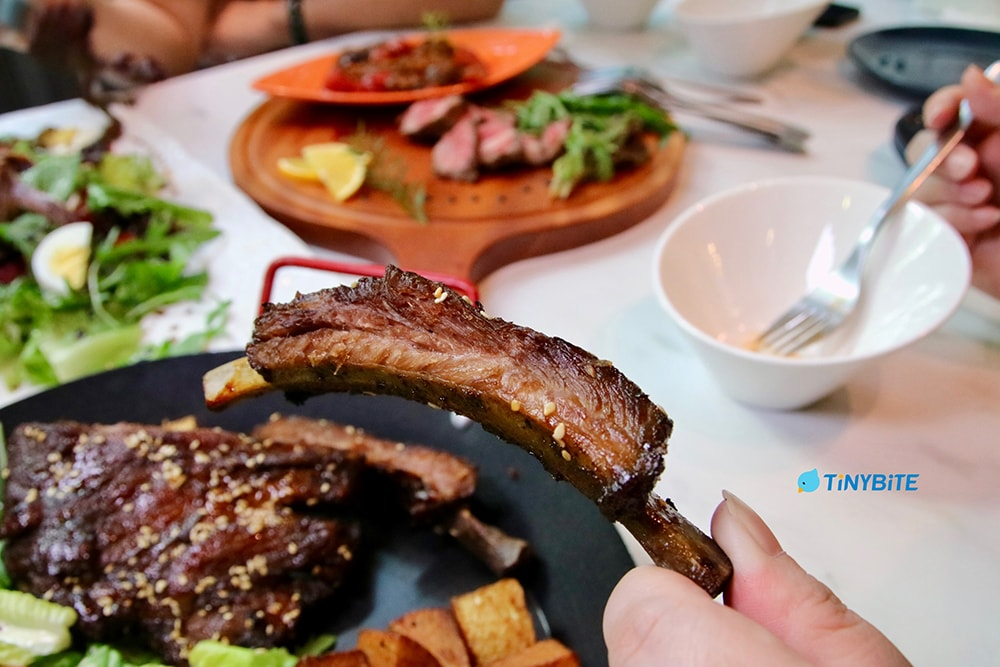 綠萼春風 綠萼花園 綠萼159創意料理 台中美食 寵物友善餐廳 南法 鄉村 摩卡 蘇打 流浪兔