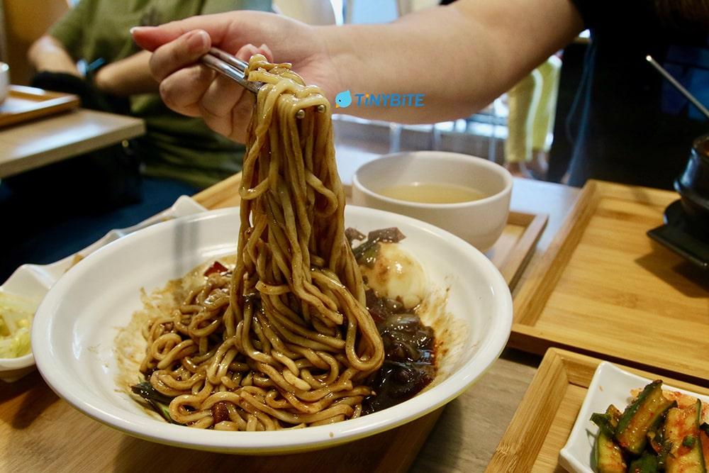 崔基虎 台中韓式炸醬麵 韓國料理 韓式料理 豆腐鍋 순두부찌개 台中美食 北屯美食